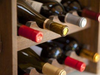 Rastel pentru sticle de vin