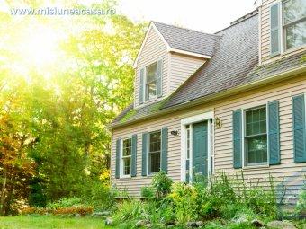 Casa din lemn in padure