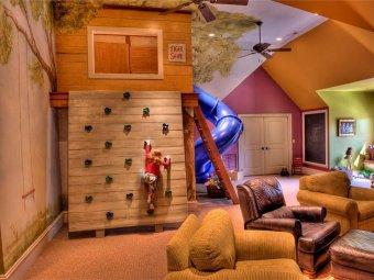 Camera copilului amenajata pentru escaladari
