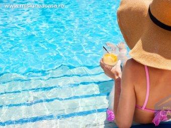 Relaxare in piscina