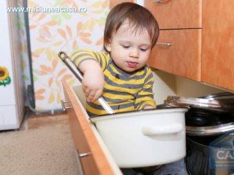 Copil in bucatarie