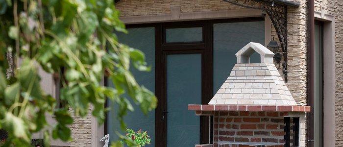 Ghid de cumpărături – 6 motive să alegi un grătar de grădină pe lemne