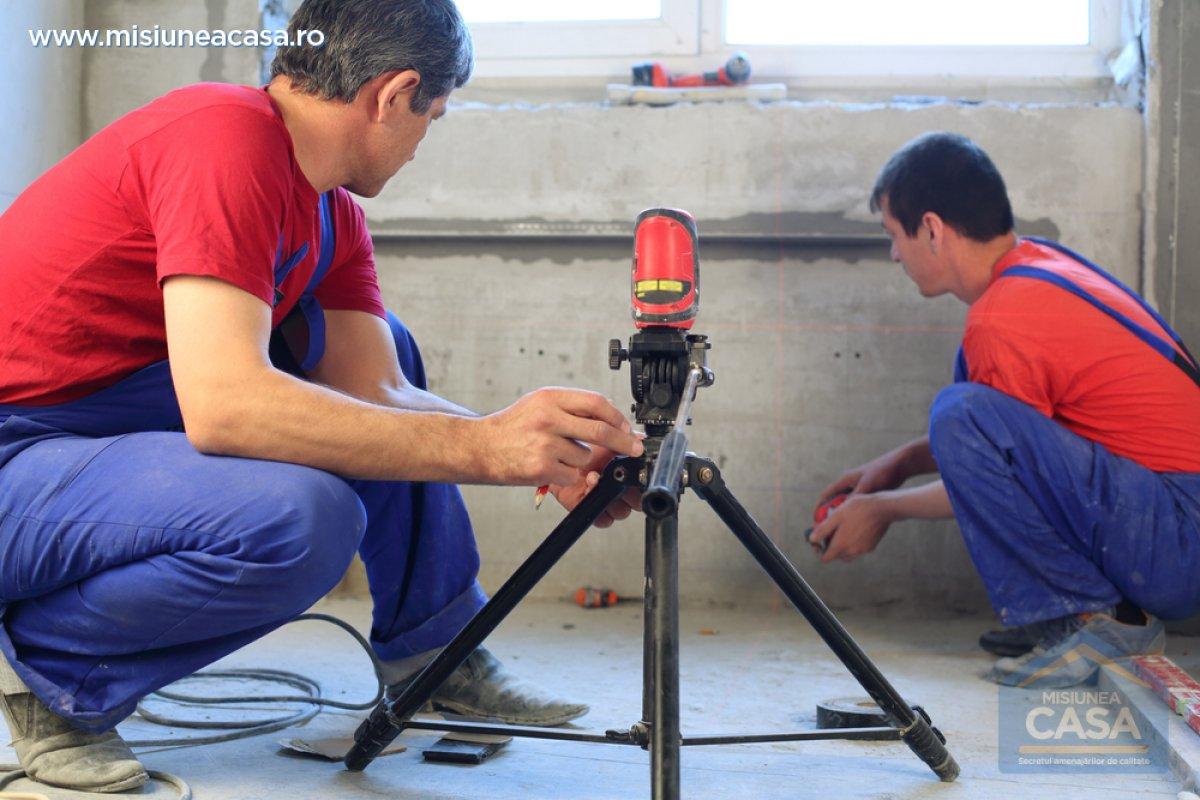 Stabilirea si trasarea nivelului in constructii misiunea - Niveau laser interieur exterieur ...