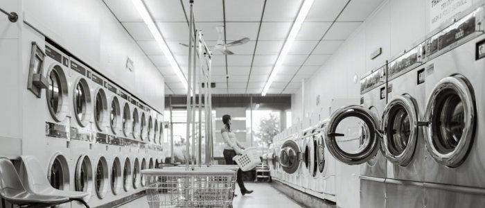7 greseli care iti pot distruge hainele si masina de spalat