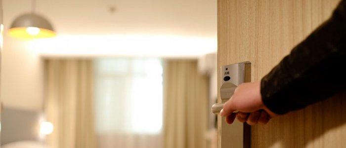 Amenajarea locuintei: ghid de inlocuire a tocurilor de la usile interioare