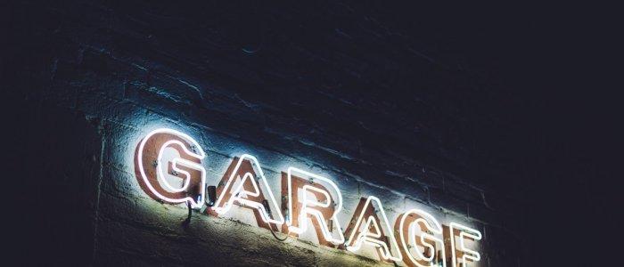 Anexa de langa casa, cum o transformam in garaj