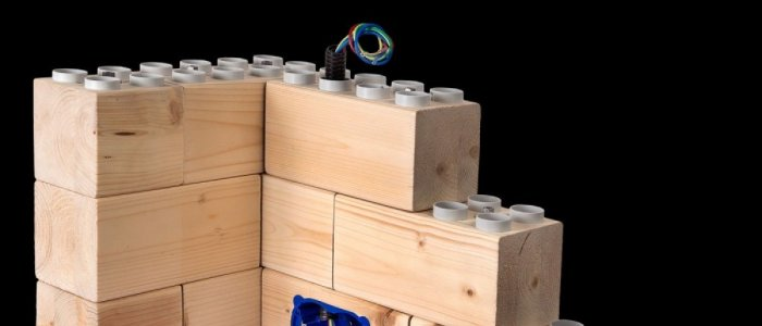 Un proiect indraznet: casa din caramizi tip LEGO