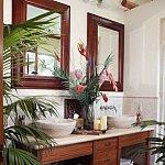Camera vesela din casa ta: baia tropicala