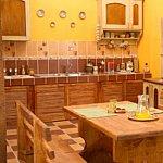 O bucatarie in stil rustic