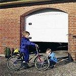 Protectie pentru toamna - reduceri de 40% la portile de garaj Lindab