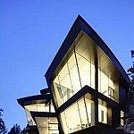 """Casa de """"sticla"""" in forma de cub, la vanzare pentru 43 de mil. de dolari"""