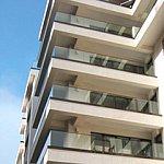 Ce fac bancile cu un bloc de 100 de apartamente in insolventa