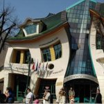Crooked House - casa incovoiata