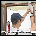 Montare usa balcon cu spuma poliuretanica