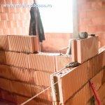 Avantajele si dezavantajele caselor din zidarie versus cele din lemn