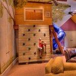 Camera copilului. Nu doar decoratii, ci pretexte pentru joaca