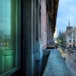 Mapei in Piata Domului din Milano - De la dale de granit la mozaic de sticla