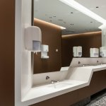 Industria HoReCa investeste ȋn reamenajari si solutii avansate de igiena. Doar costul obiectelor sanitare poate ajunge la 5.000 euro