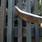 Intretinerea gardului din metal sau lemn