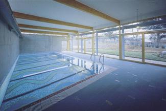 Piscina sau jacuzzi misiunea casa for Amenajari piscine exterioare